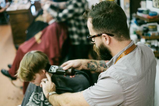 Aprende a cortarle el pelo a tu niño